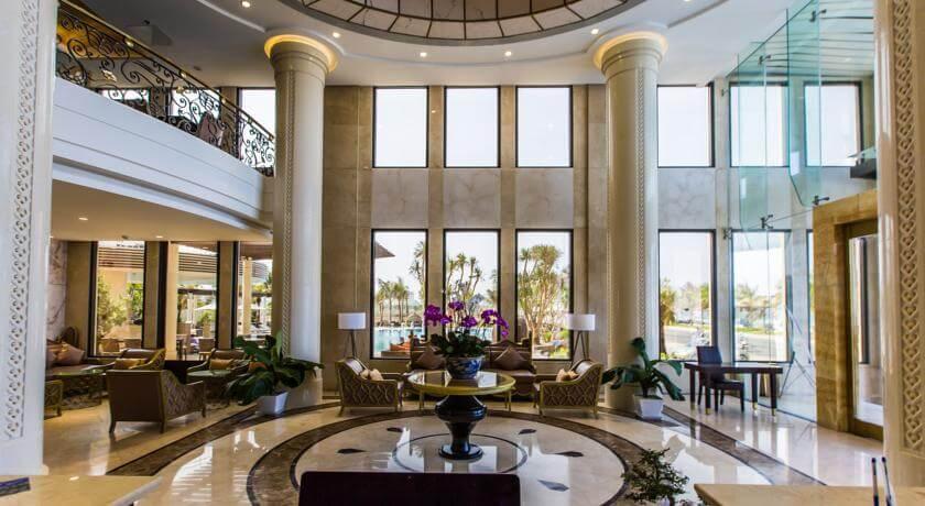 Holiday Beach Hotel